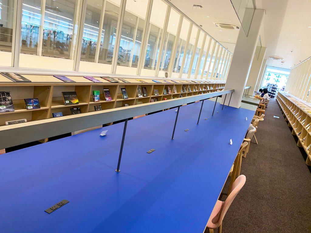 海南nobinos(ノビノス)4階 中央テーブル